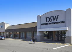 Amherst Commons: DSW, Five Below