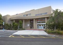 Millburn Gateway Center: CVS