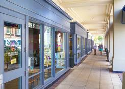 Rockville Town Center: Walkway