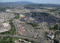 Las Catalinas Mall: